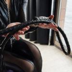 BDSM: Was es ist, Mythen über BDSM und BDSM-Praktiken